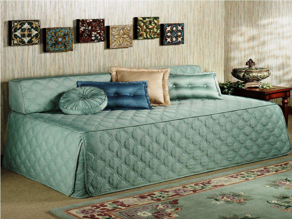 Green Elegant Day Bed Covers And Mattress With Pillows And Small Frames & Day Bed Covers Ideas | HomesFeed pillowsntoast.com