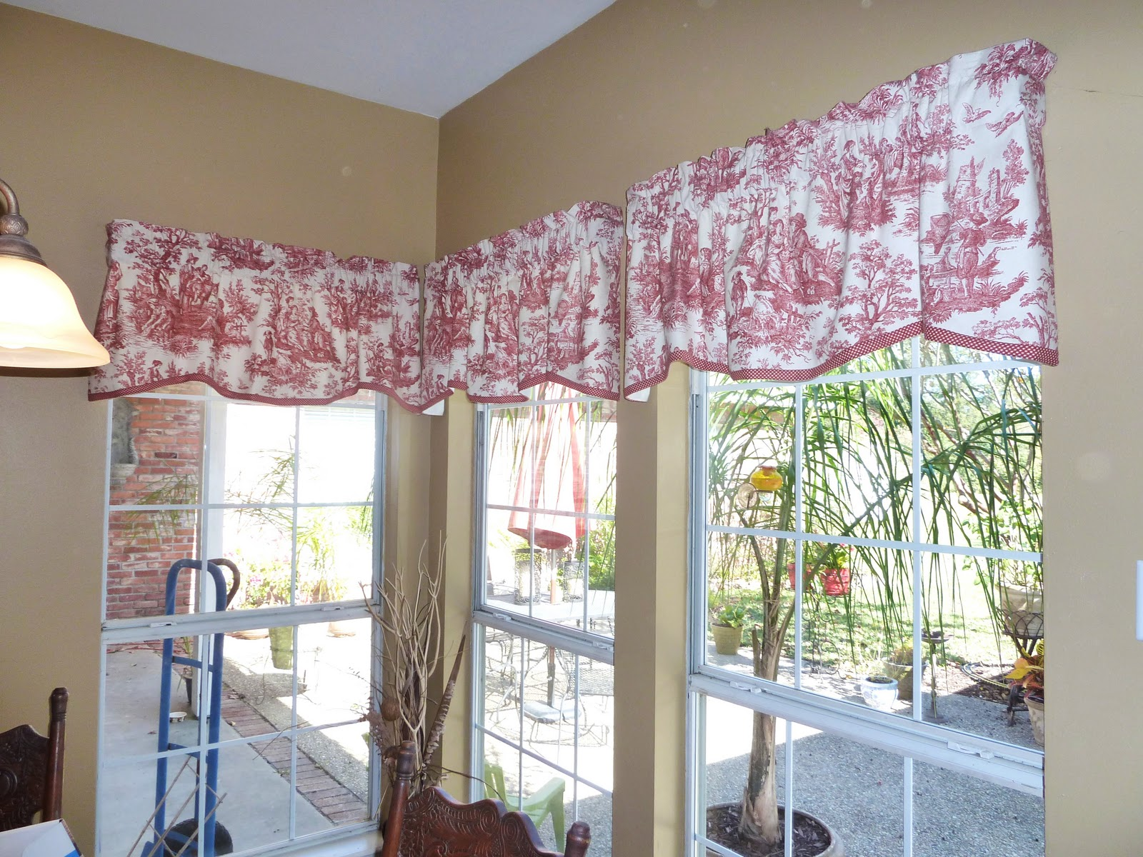 Half Red Toile Curtains On White Window Frame Jpg 1600x1200 Dining Room Ideas