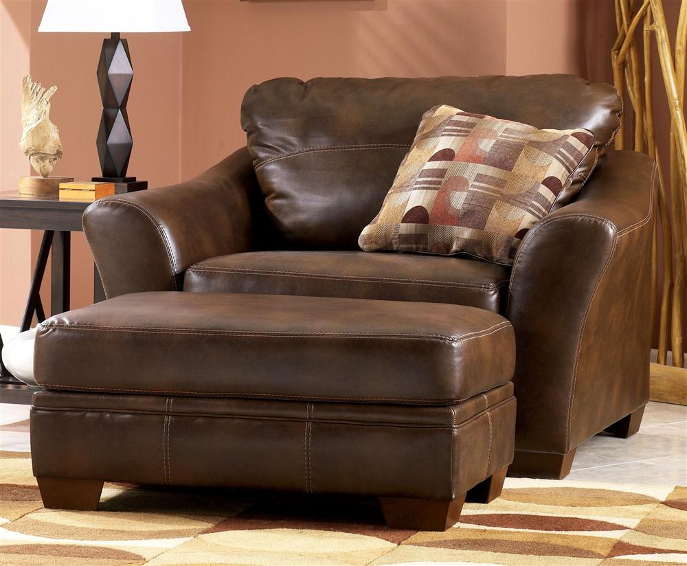 Luxurious And Classy Leather Lounge