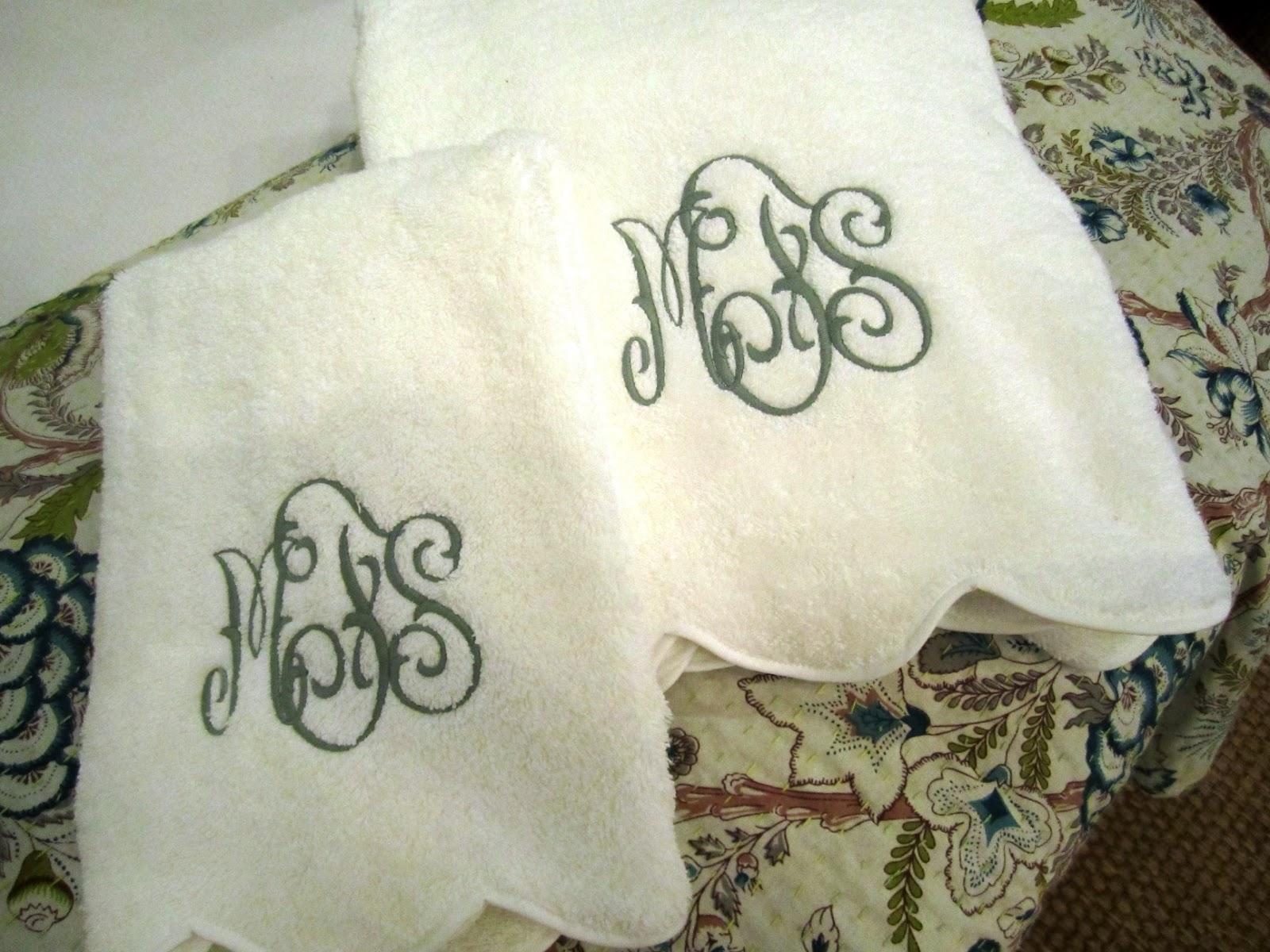 Monogrammed Guest Towels | HomesFeed