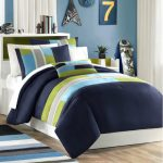 Pipeline-comforter-set-by-Mi-Zone-for-men-bedroom-with-striking-geometric-pattern-added-a-chic-urbane-feel-and-crafted-out-of-premium-quality-polyester-microfiber