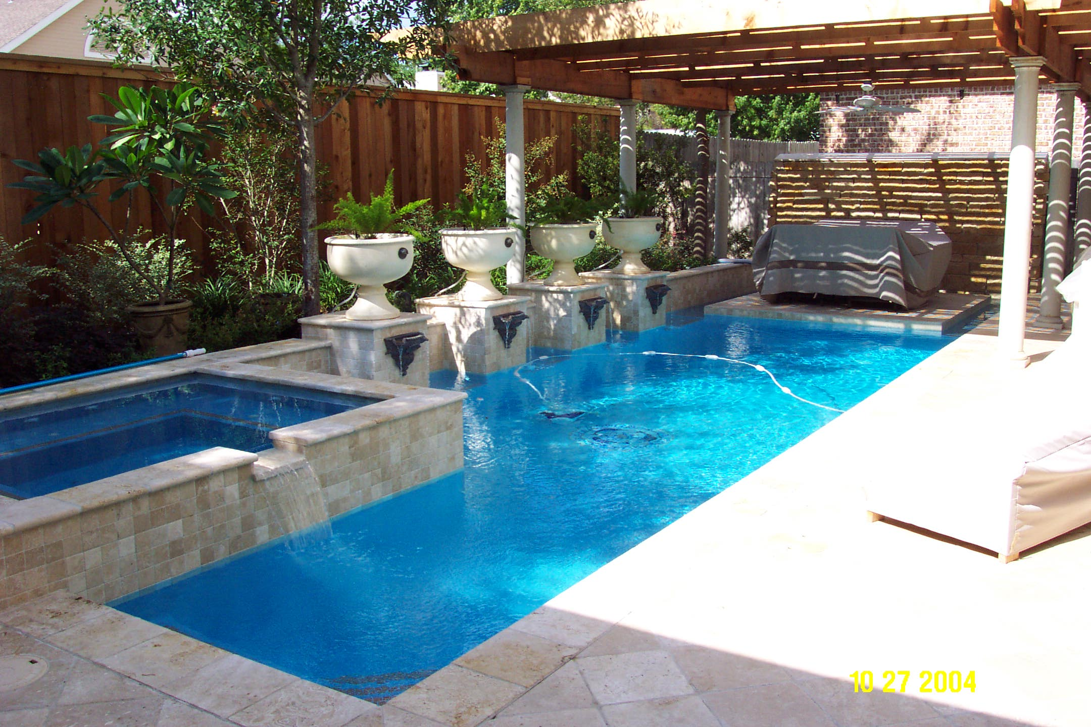 Pool design for small yards homesfeed for Pool design 2015
