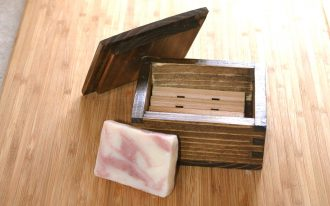 Rectangular Shape Wooden Draining Soap Dish