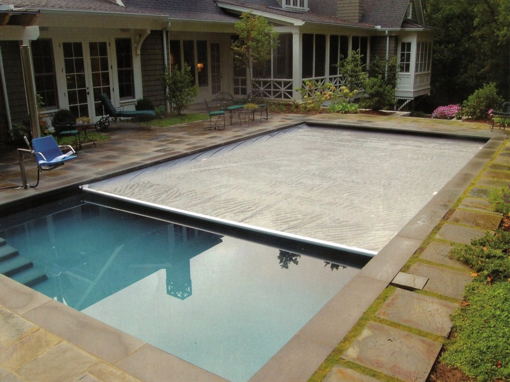 Swimming pool with cover homesfeed Retractable swimming pool enclosures