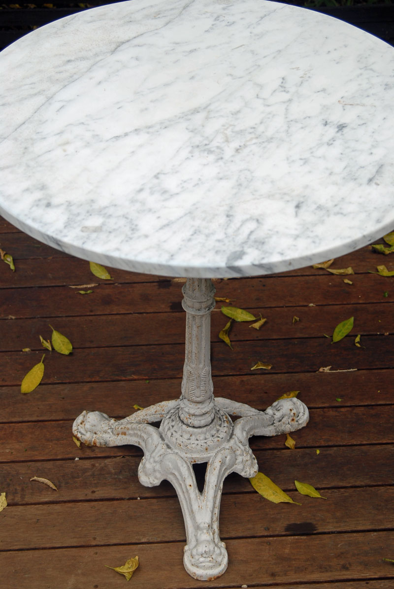 Round White Marble Table With White Coated Wooden Base In Classic Style