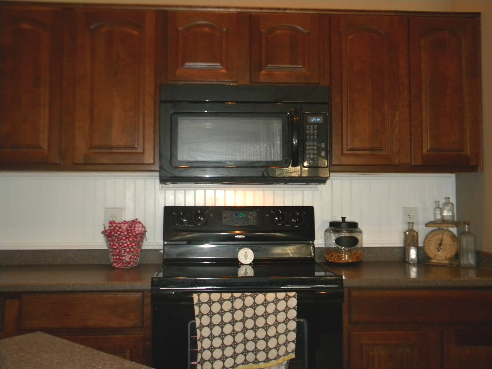 Kitchen Stove Top : Simple Design Of Built In Stove Top Kitchen With Wooden Kitchen Set