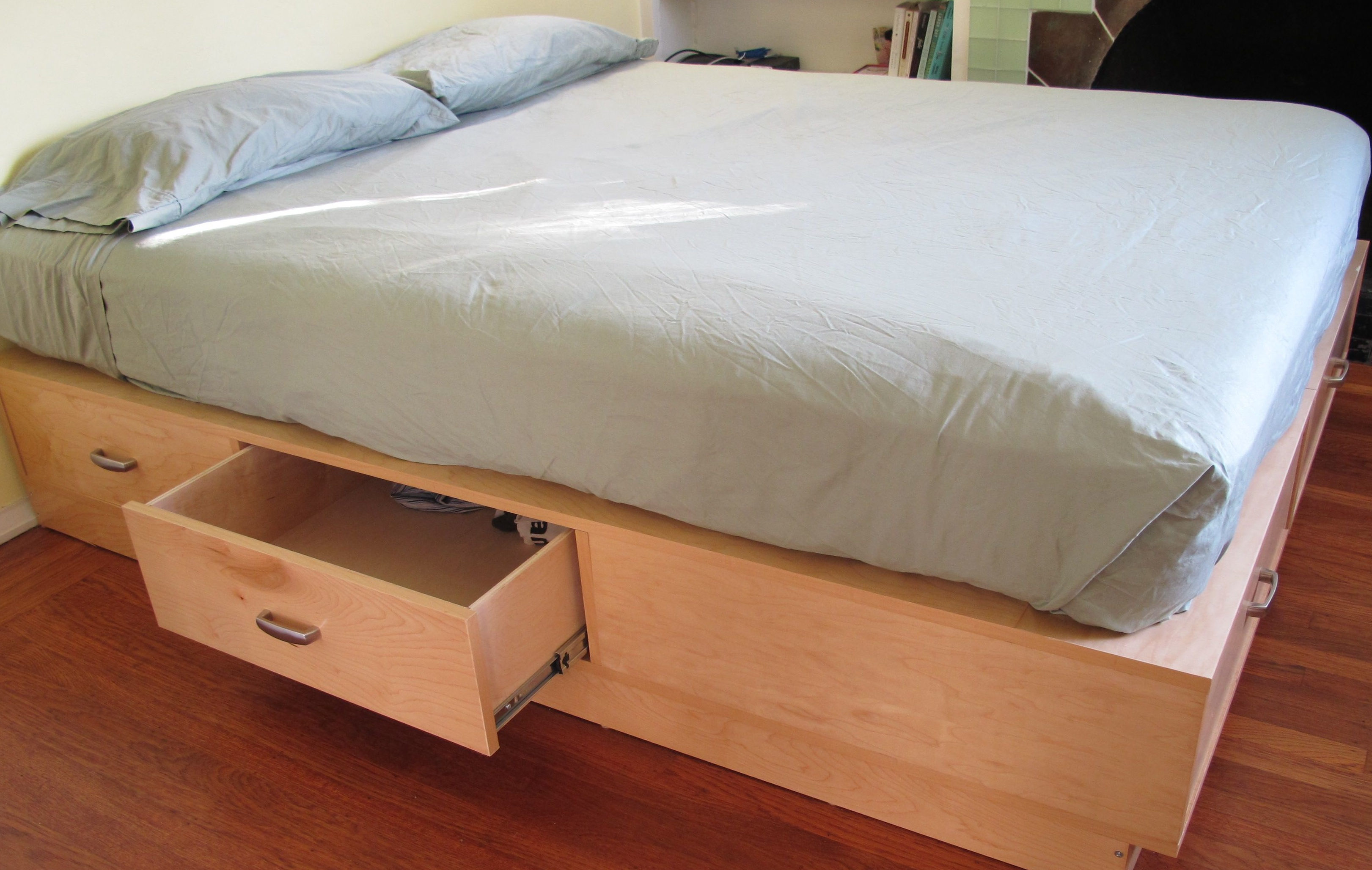 Beds With Drawers Underneath