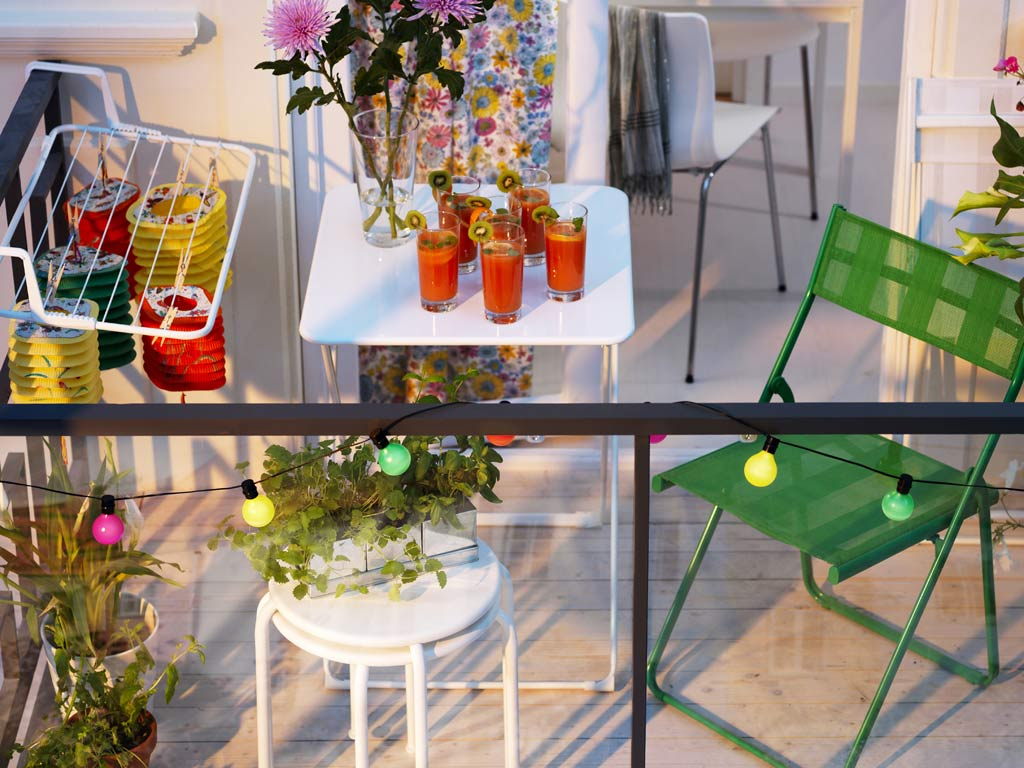 Small Balcony Furniture Option | HomesFeed
