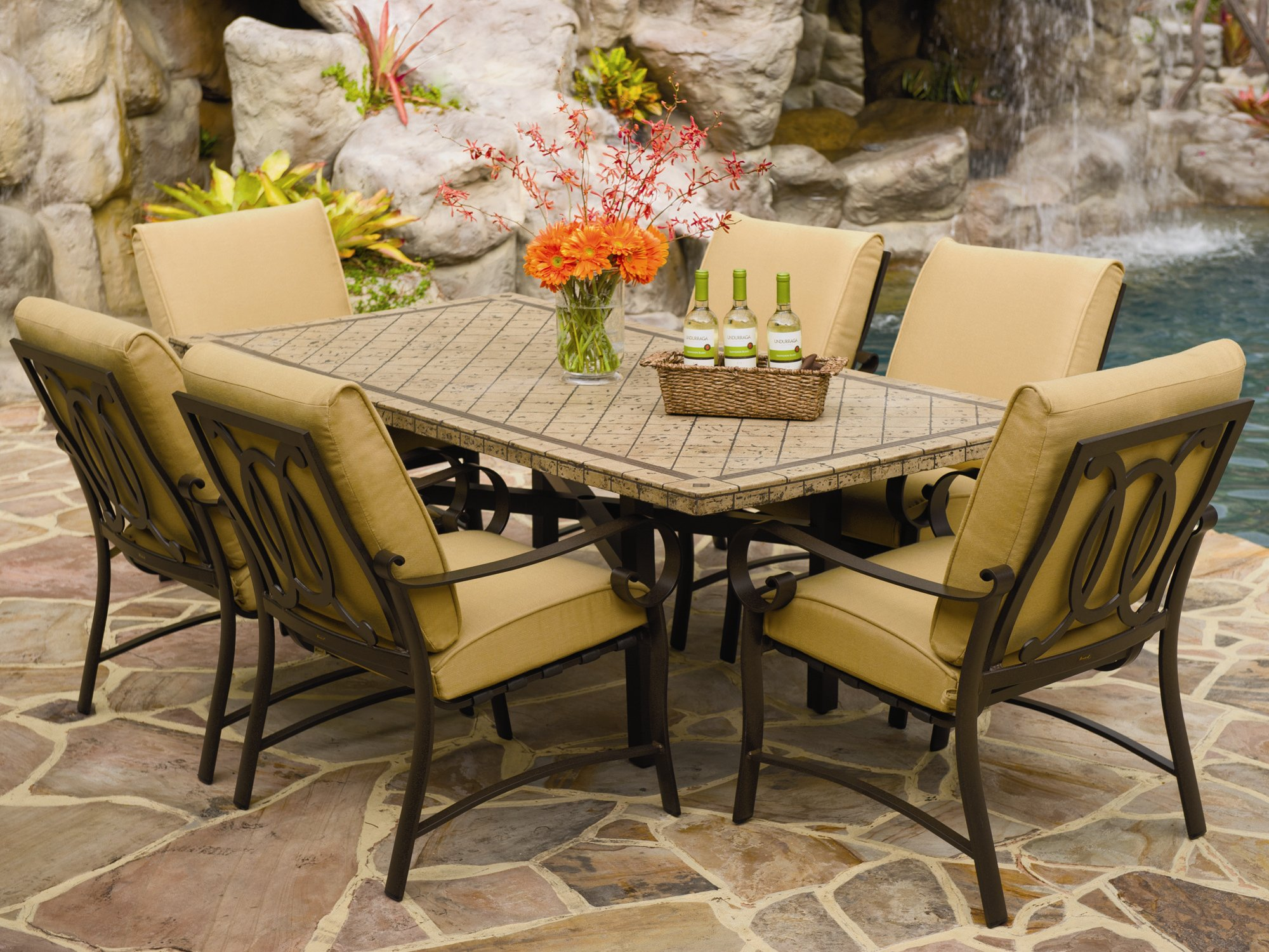 Stone Patio Tables Ideas HomesFeed