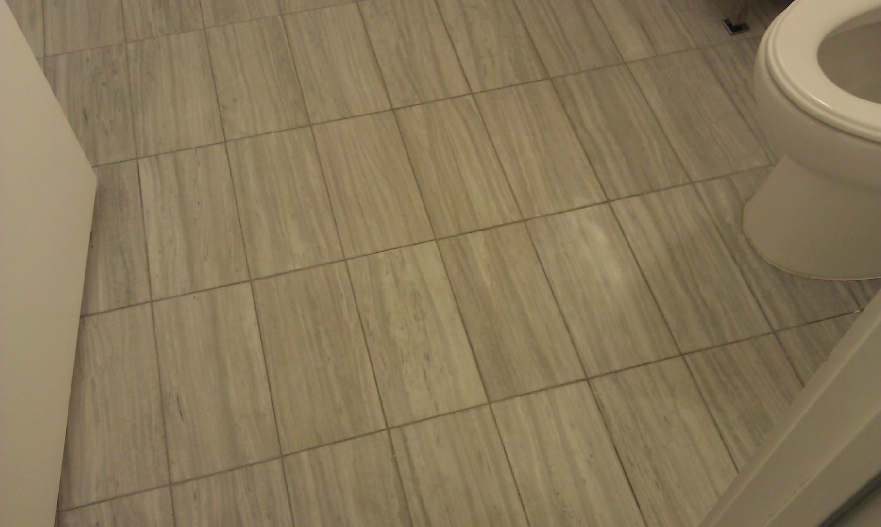 Rectangular floor tile design homesfeed for Rectangular bathroom layout