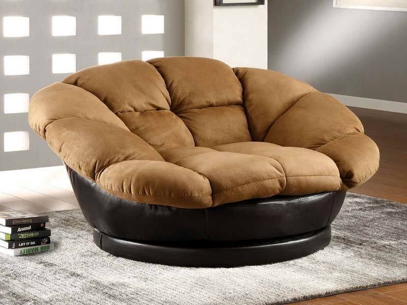ultra comfy and big lounge chair in brown and black leather for the