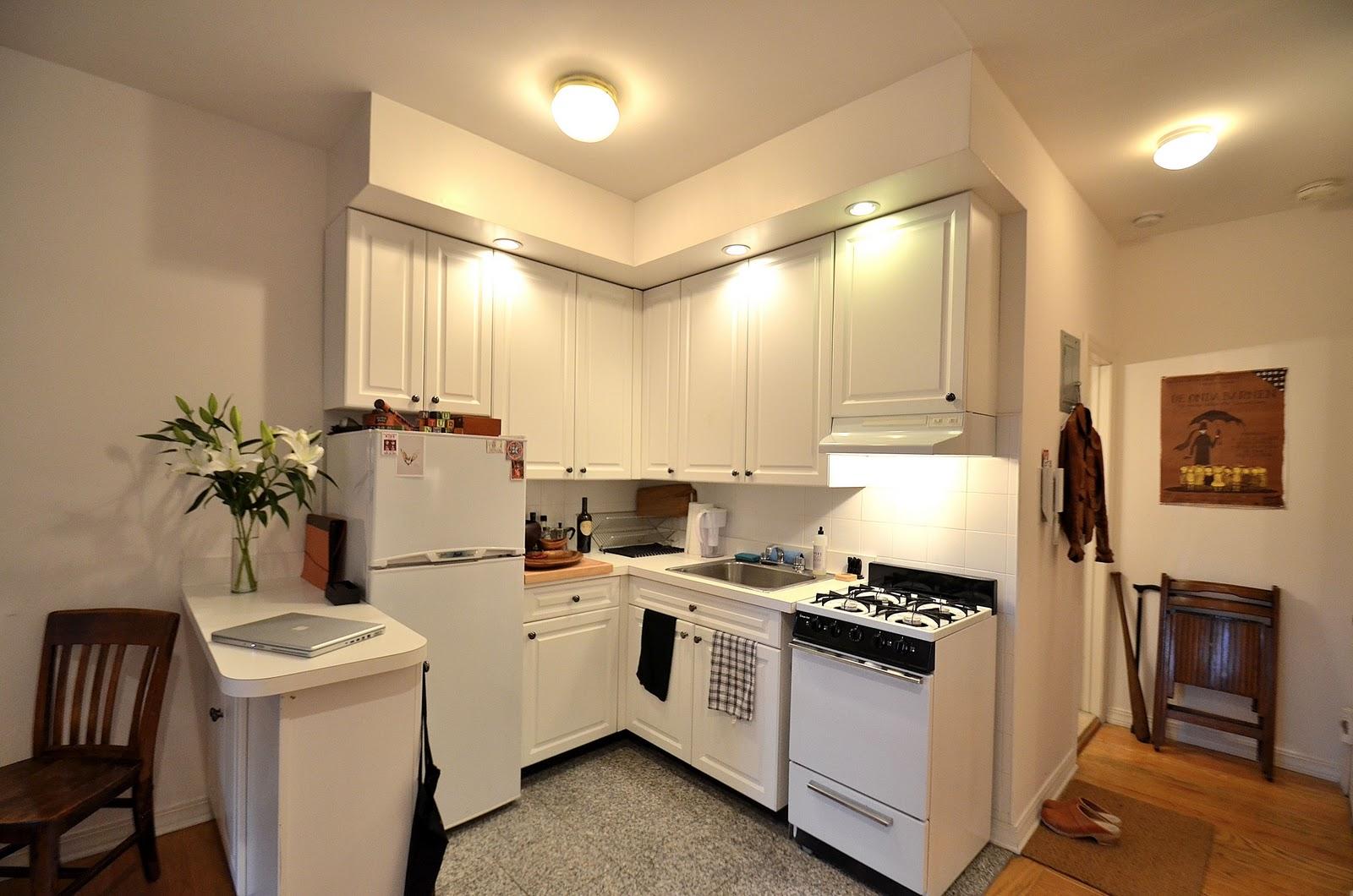 Unique and tiny white apartment kitchen set