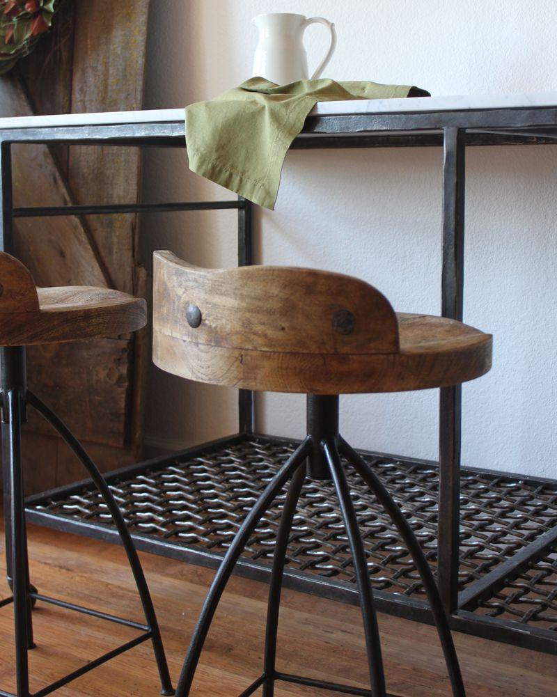 Vintage Style Metal Bar Industrial Style Bar Stools