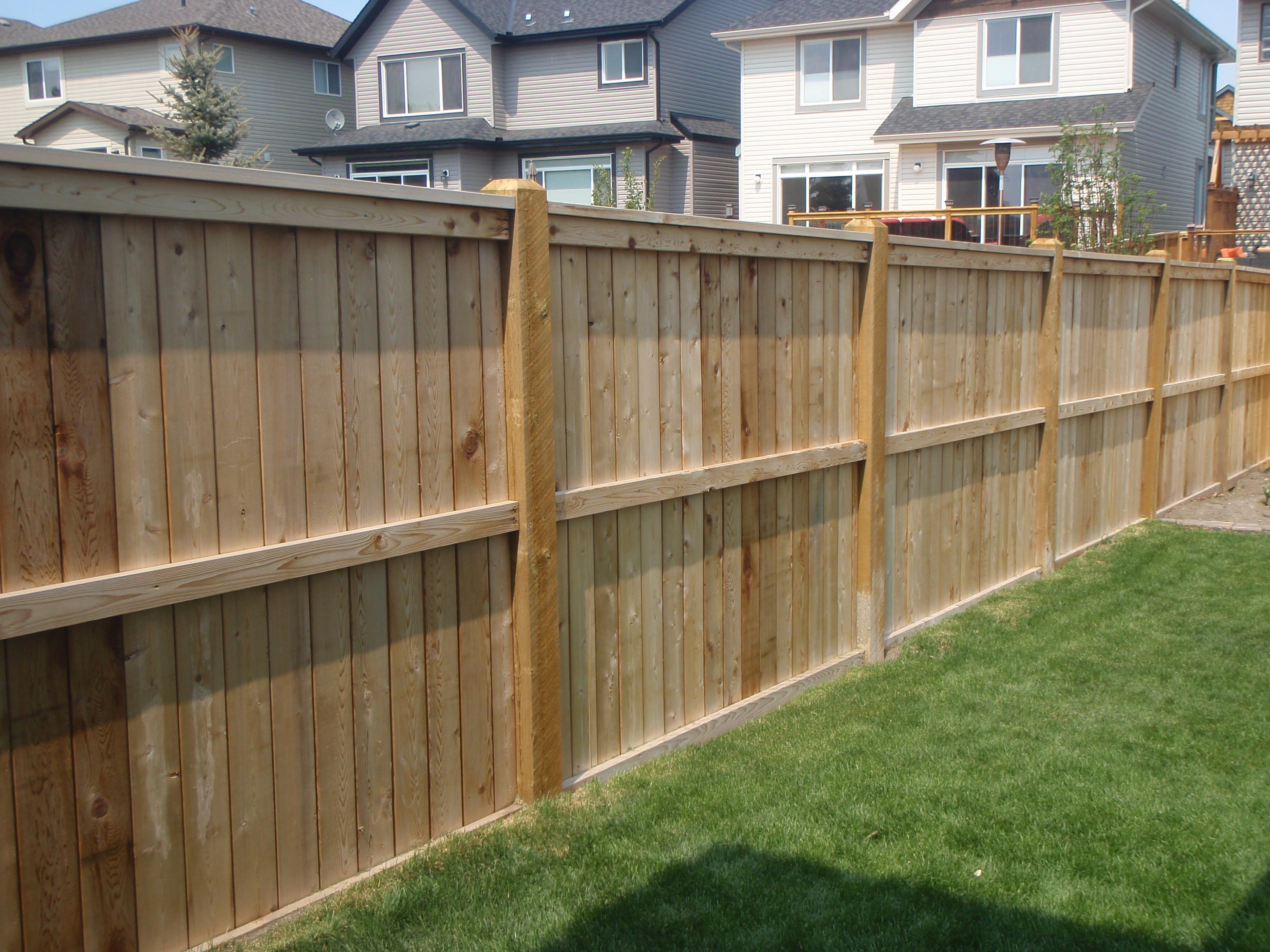Wooden Backyard Fencing Ideas