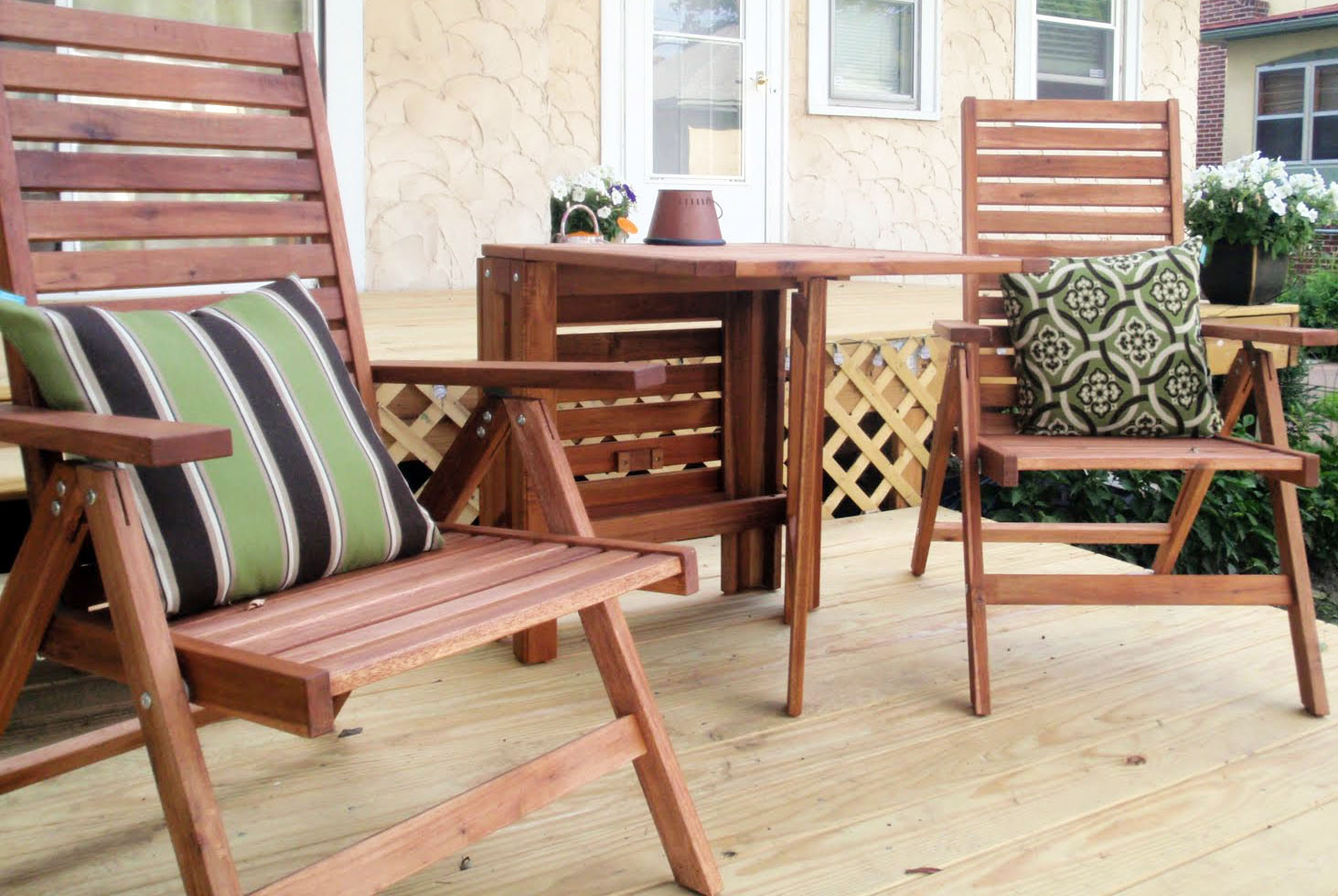 Balcony furniture small - Wooden Small Balcony Furniture With Pillows