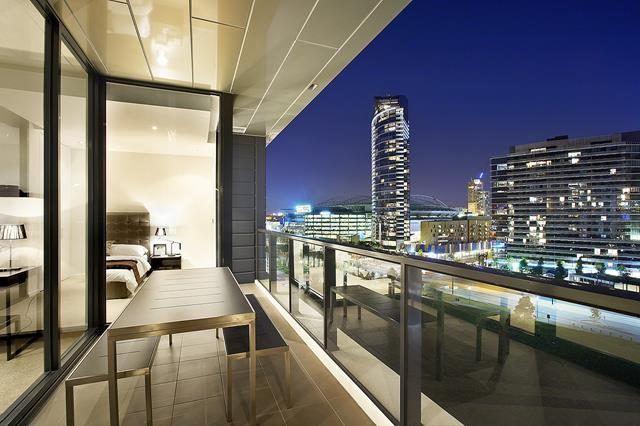 Best apartment with city view and pricey look homesfeed for Balcony apartments