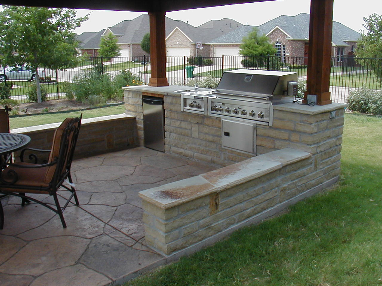 Some Outdoor Patio Design for Daily Outing | HomesFeed