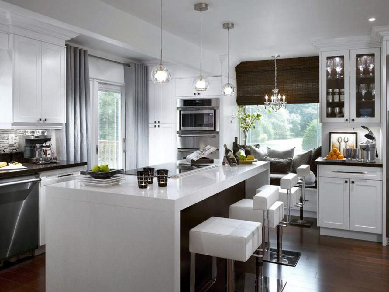 Etonnant Amazing Kitchen Ideas With Contemporary Window Valances And Grey Drapes And  Bamboo Shades Plus Leather Bar