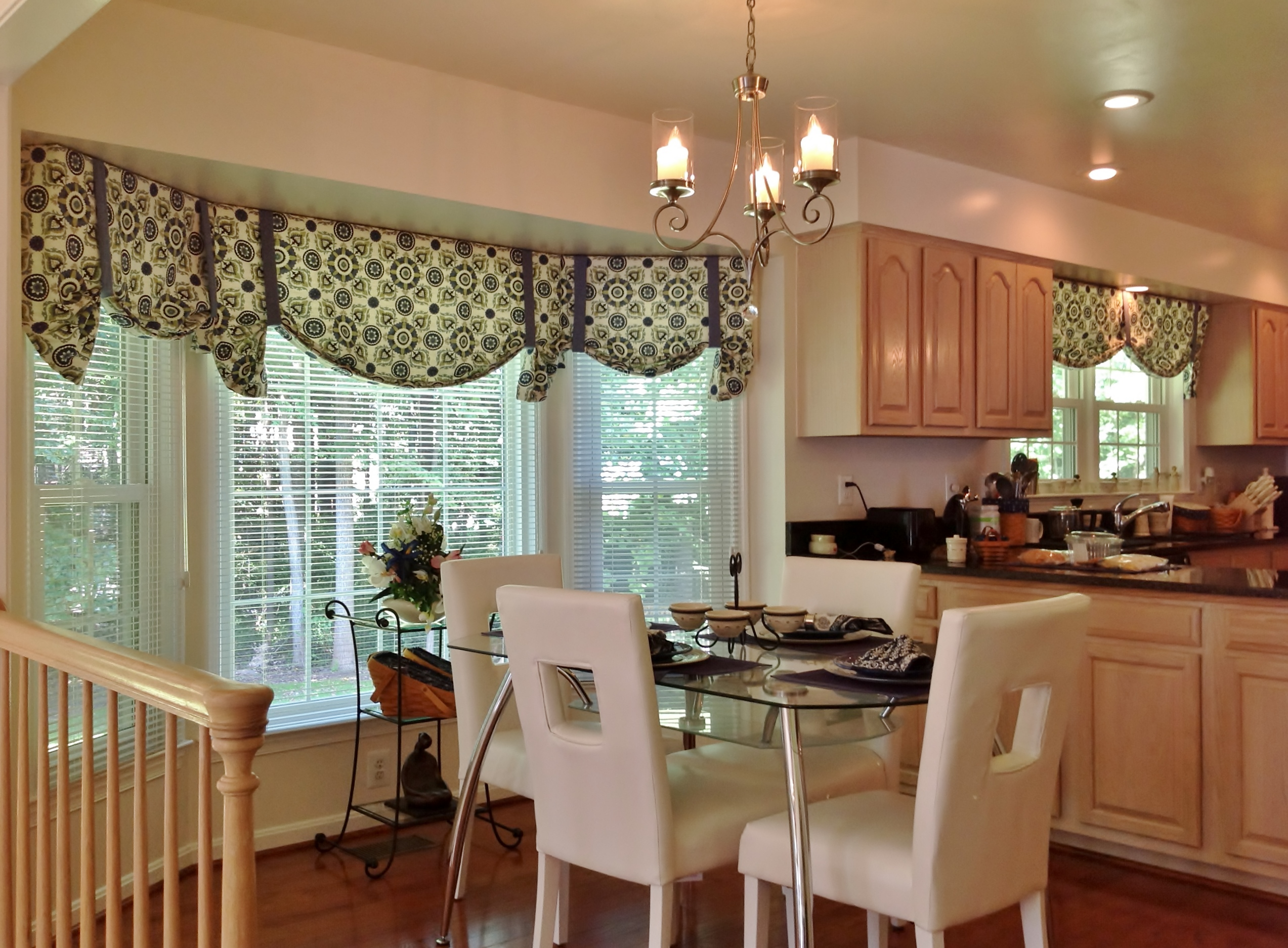 Awesome Contemporary Window Valances With Blinds Decorated On Bay Windows  Together With Modern Dining Room With