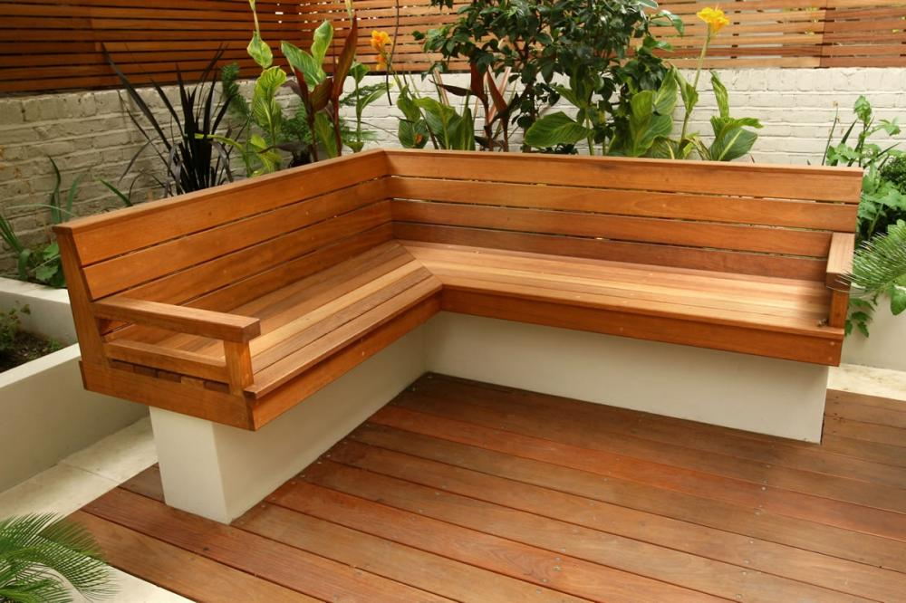 outdoor corner bench ideas which are perfect for family entertaining