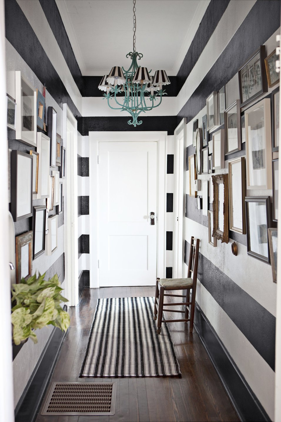 Best narrow corridor in style some pictures homesfeed - Corridor decoratie ...