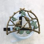 decorative-Love-birds-hose-holder-by-SPI-home-with-aluminum-and-iron-construction-with-multicolor-and-metal-material-mounted-on-the-white-wall