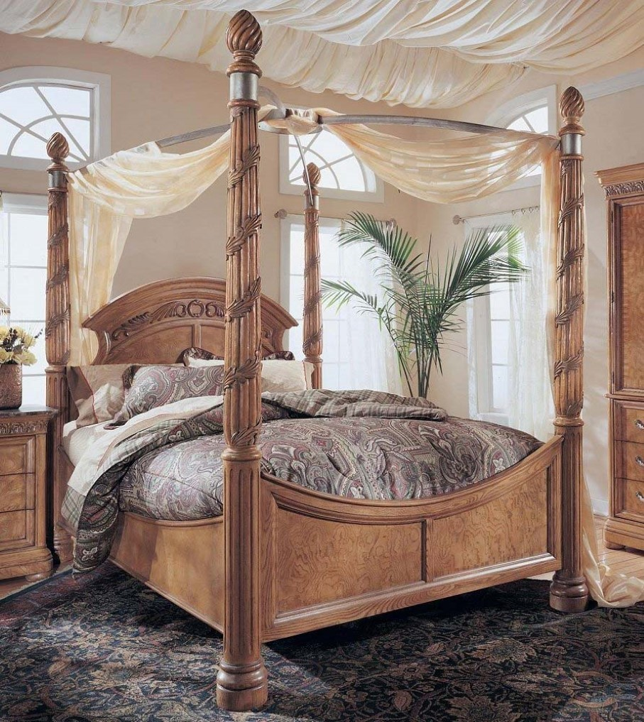 Elegant Arched Cherry Wood Headboard Idea With Canopy And Bold Beams And  Black Area Rug And
