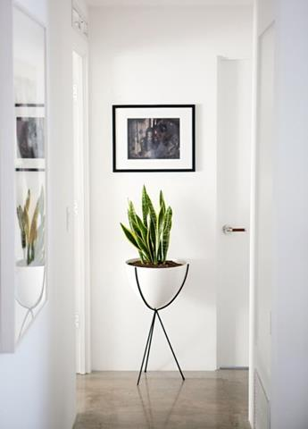 Best wrought iron flower stand unique design for interior homesfeed - Wrought iron indoor decor classy elegance ...