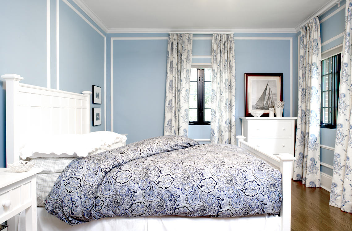 Bon Lovely Blue Best Paint Colors For Small Room With White Bedding And  Patterned Gray Sheet And