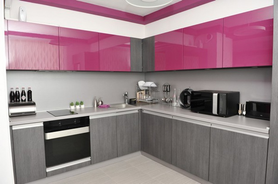 The small stove oven upgrading your kitchen space homesfeed for Kitchen designs pakistani