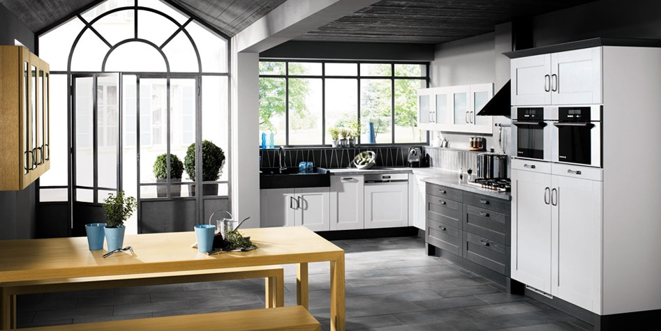 Black And White Kitchen Decor To Feed Exclusive And Modern Pion