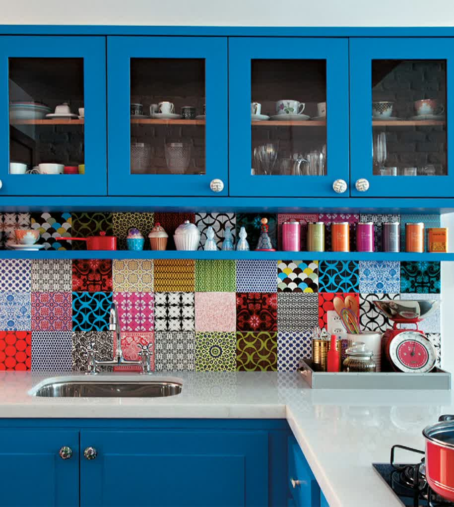 How to Decorate Wall in the Kitchen – Playful Style | HomesFeed