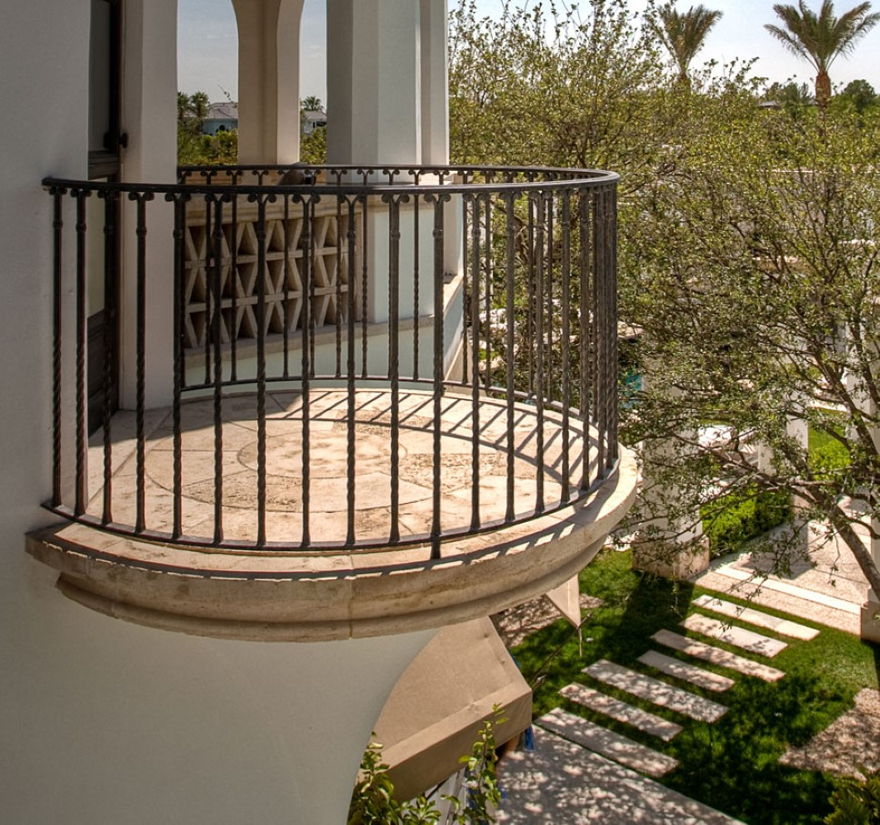 Stone accent on balcony shares more than natural appeal for Balcony handrail design