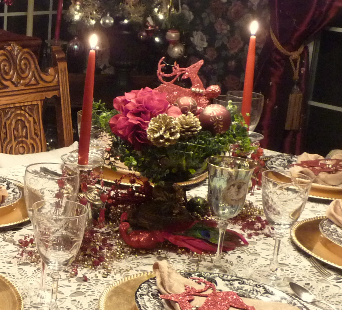 Acrylic Candle Holder Best Decoration for Christmas  : stunning bowl of christmas centerpiece idea on table with cloth and golden plating and acrylic candle holder from homesfeed.com size 1194 x 1082 jpeg 595kB