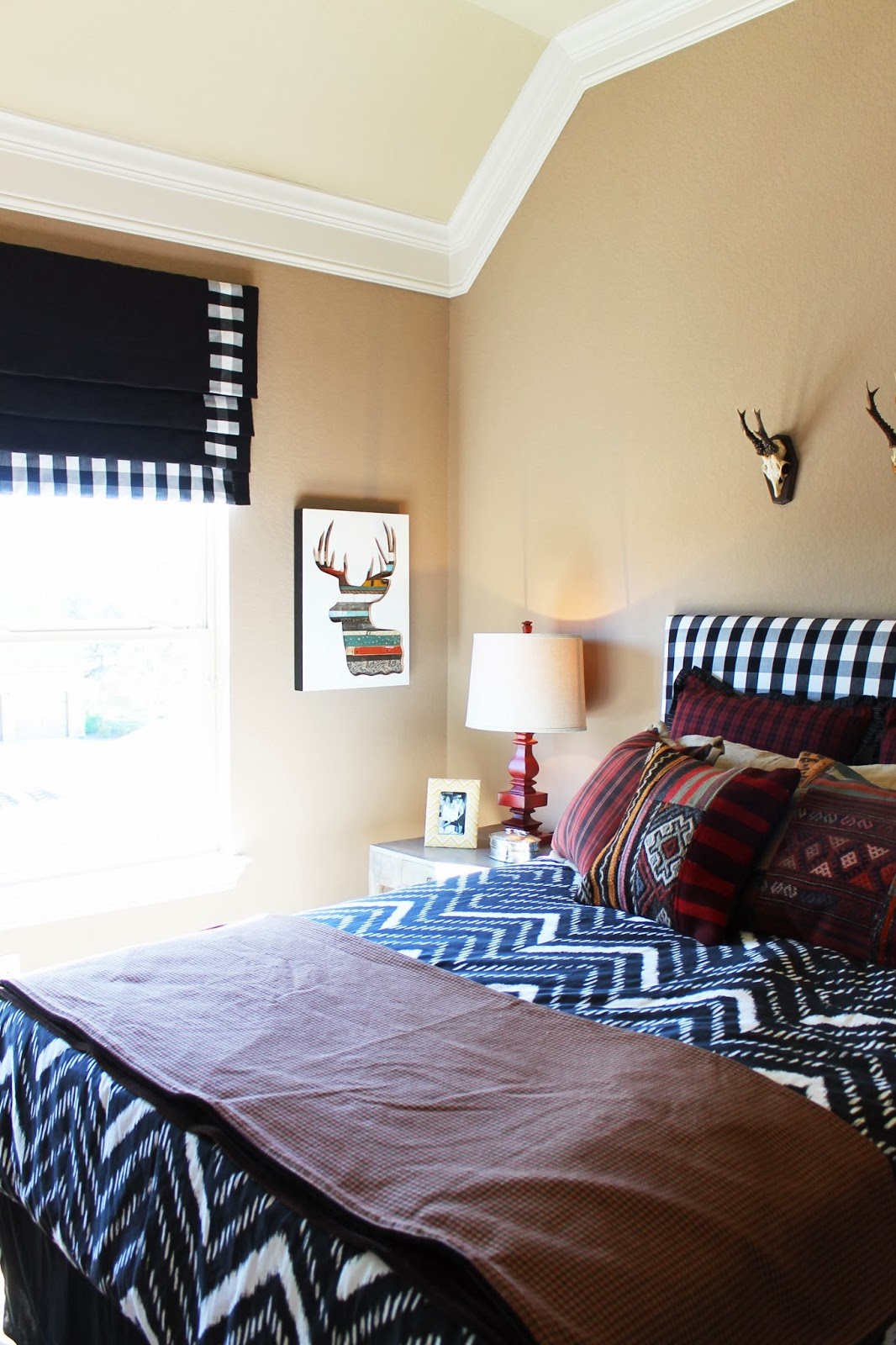 Tribal Pattern Bedding To Experience Lovely Nuance Inside Bedroom Homesfeed