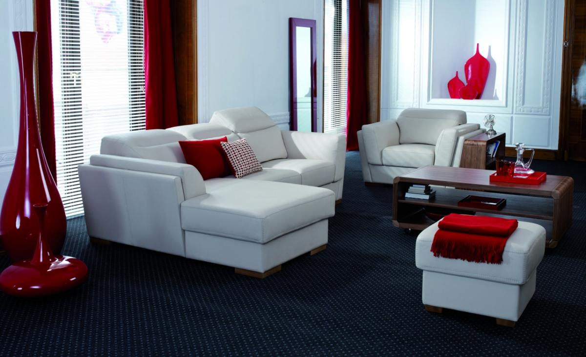 Stunning Red And White Living Room Design Idea With Black Area Rug And Red  Cushions And