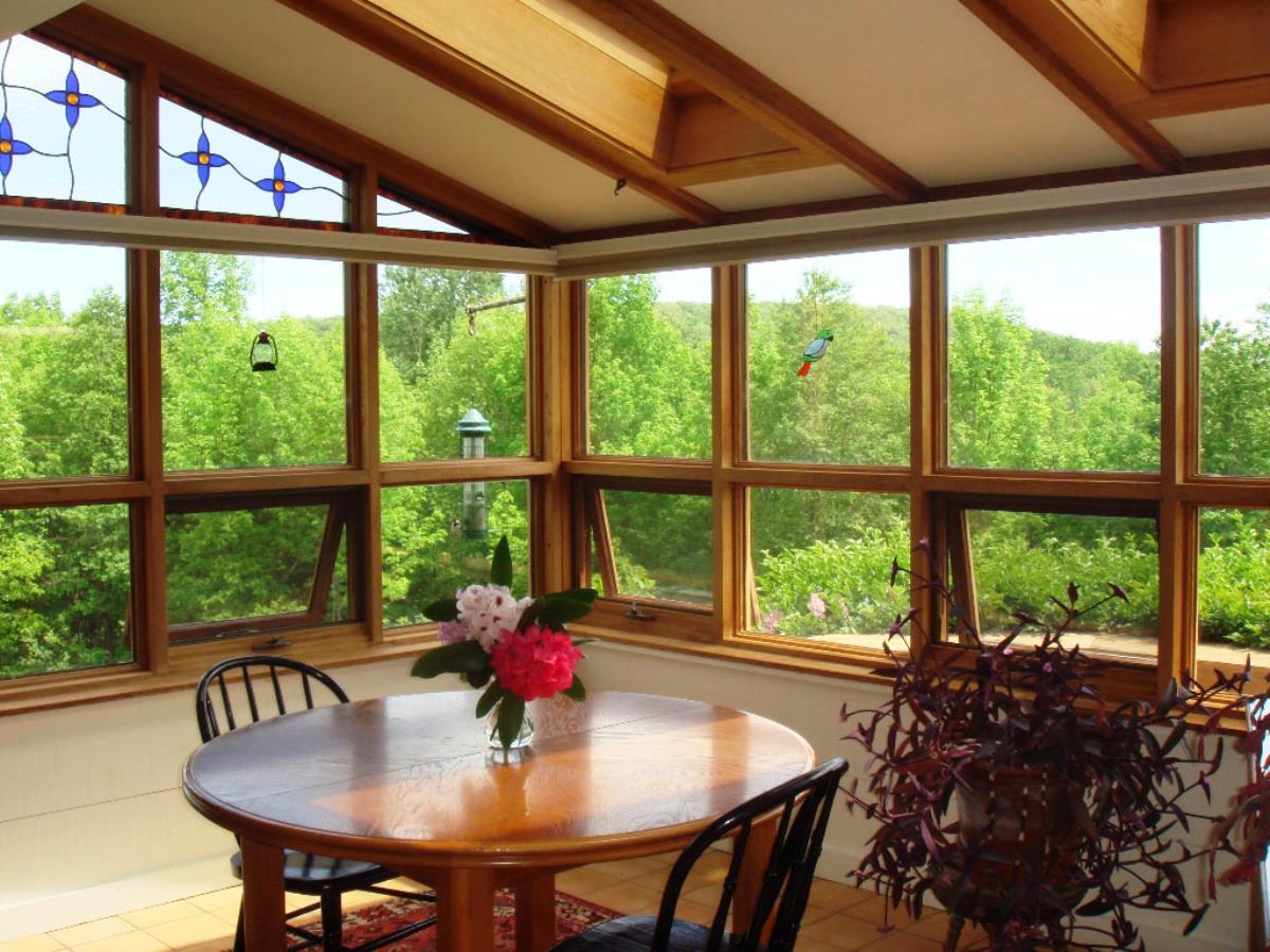Best sunroom idea runs best detail for the next spring for Sunroom breakfast nook