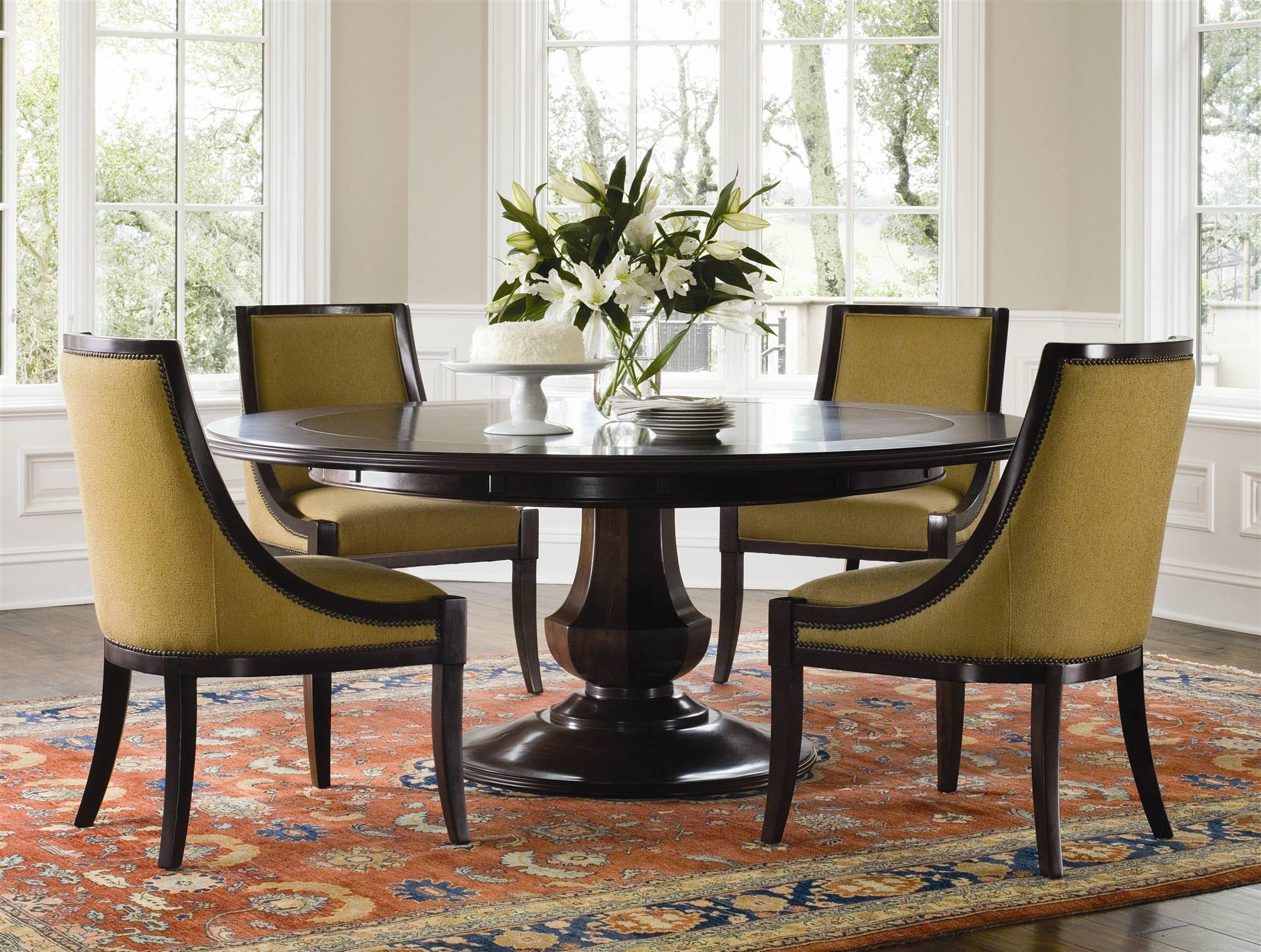 Attirant Big Dark Wooden Round Dining Table Set With Leaf And Cool Chairs Plus  Luxury Rug