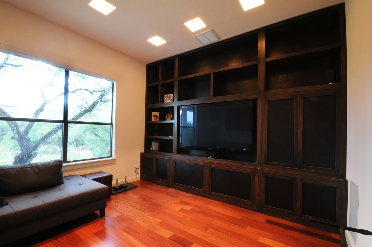 In wall entertainment center homesfeed for Living room entertainment centers