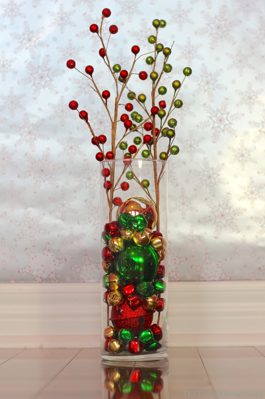 Natural elements as brilliant and pricy vase filler ideas homesfeed colorful christmas balls as the transparent glass vase filler reviewsmspy