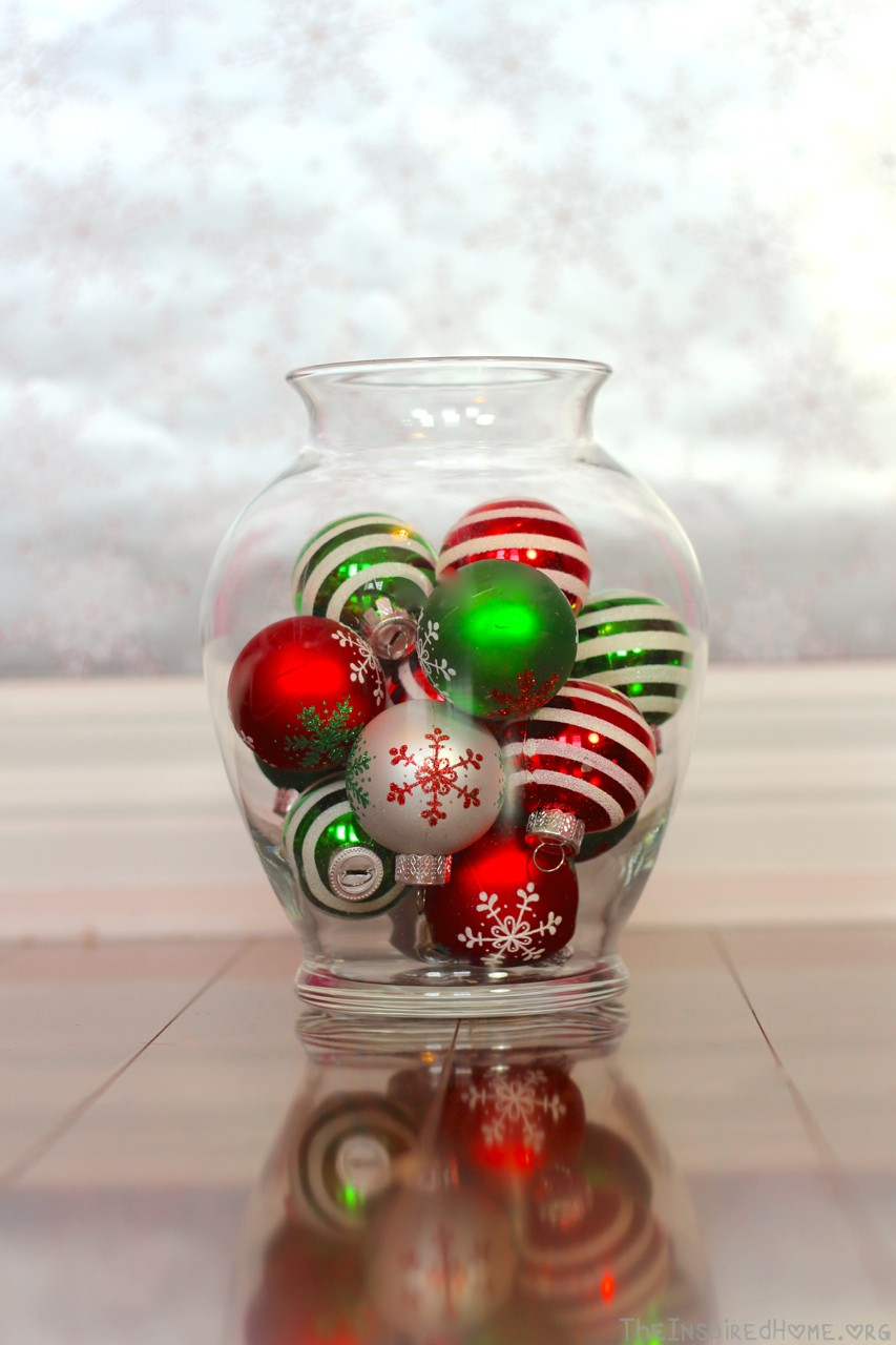 Natural elements as brilliant and pricy vase filler ideas homesfeed colorful christmas balls as the vase filler made of glass reviewsmspy