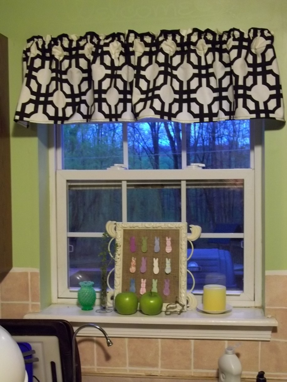 White Kitchen Valance contemporary white kitchen valance home fashions candlewick
