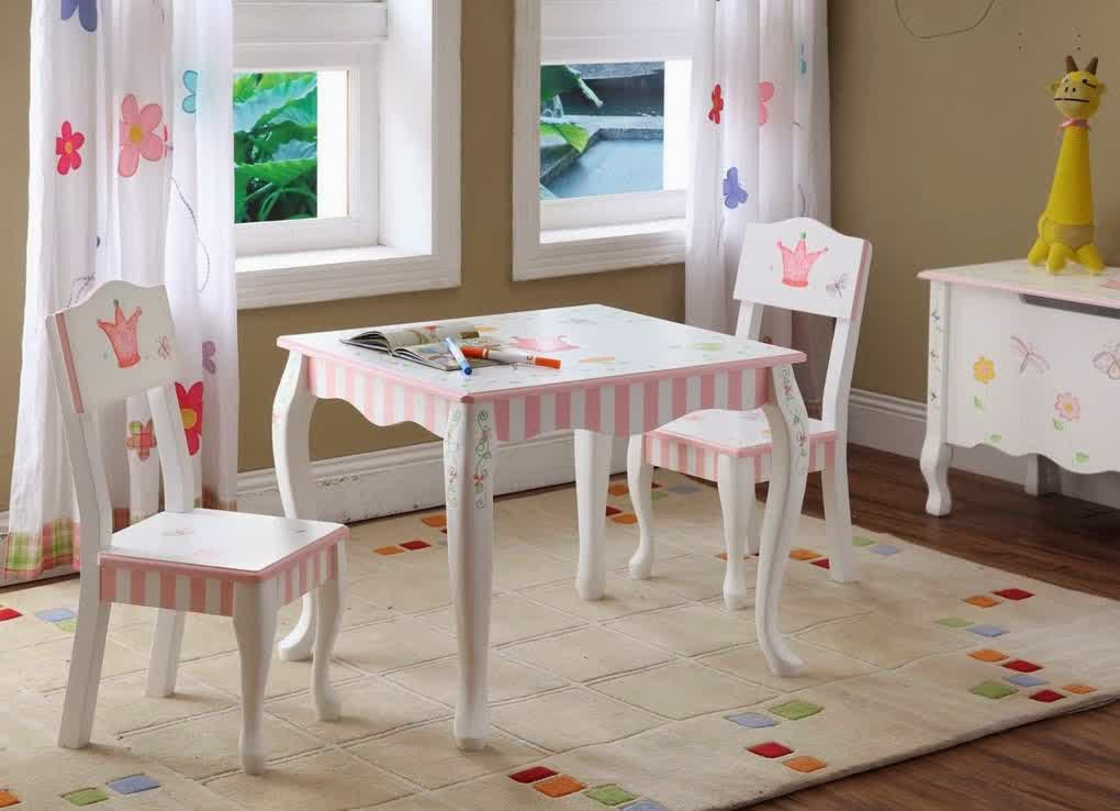 Cute wood table and chairs in classic style for little girls flower patterned white lace window & Wooden Table and Chairs for Kids | HomesFeed
