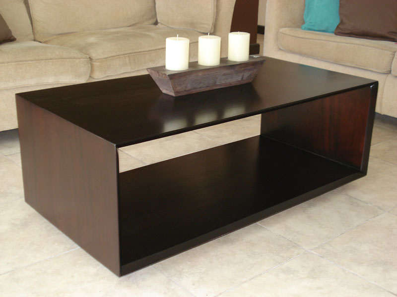 Top ten modern center table lists for living room homesfeed for Decorating living room center table