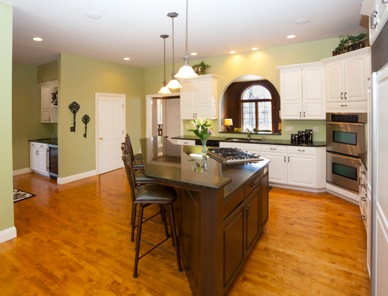 Stylish Kitchen With Two Tier Kitchen Island Homesfeed
