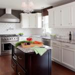 Italian Beveled Arabesque Tile With White Kitchen Cabinet Set