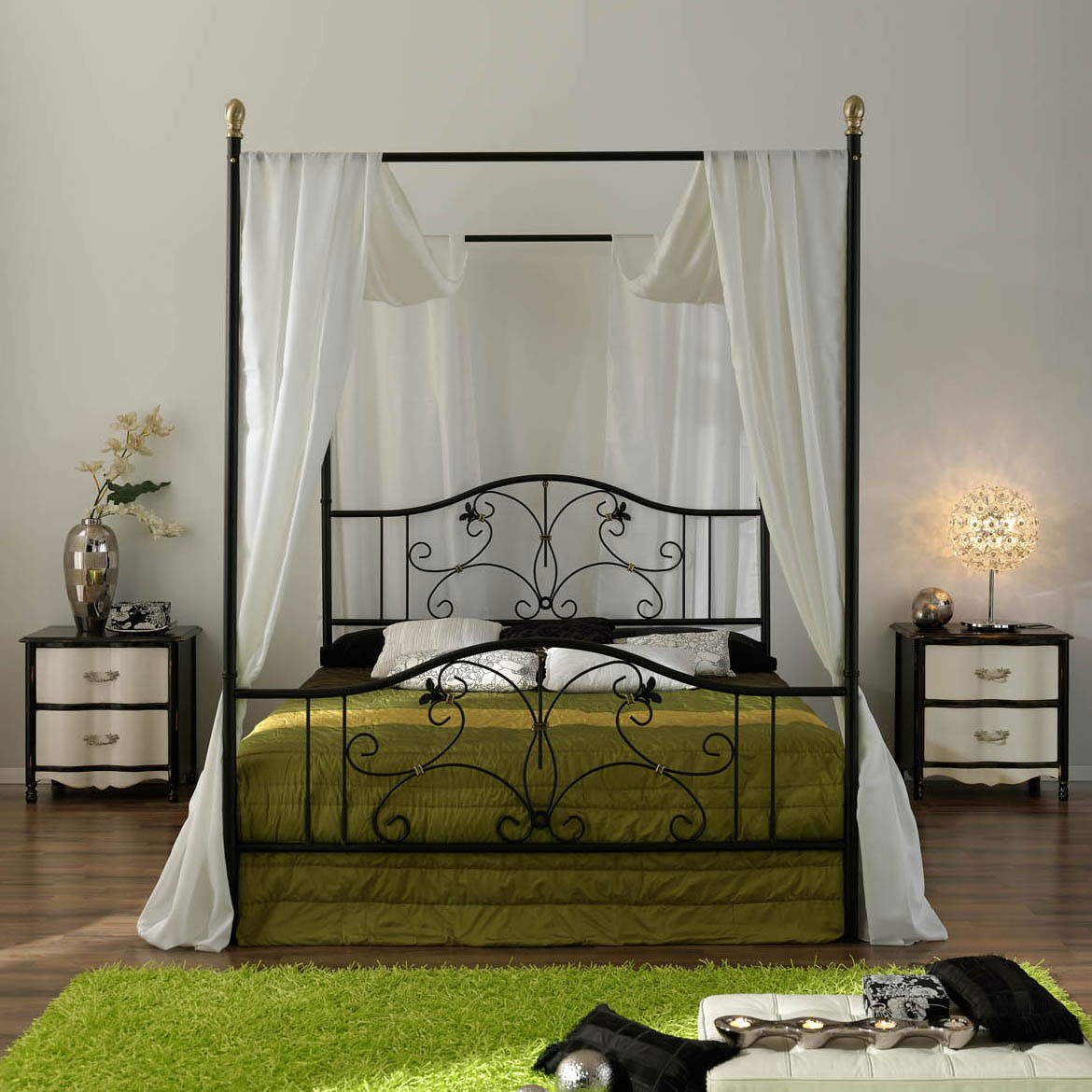 Iron canopy bed frame homesfeed for Brass canopy bed frame