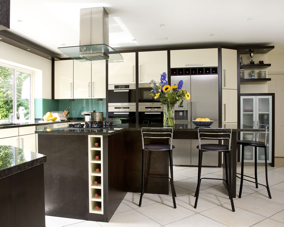 Modern Minimalist Kitchen Island In Black With A Vertical Wine Rack Three Units Of Barstools