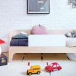 Modern toddler bed idea made of wooden