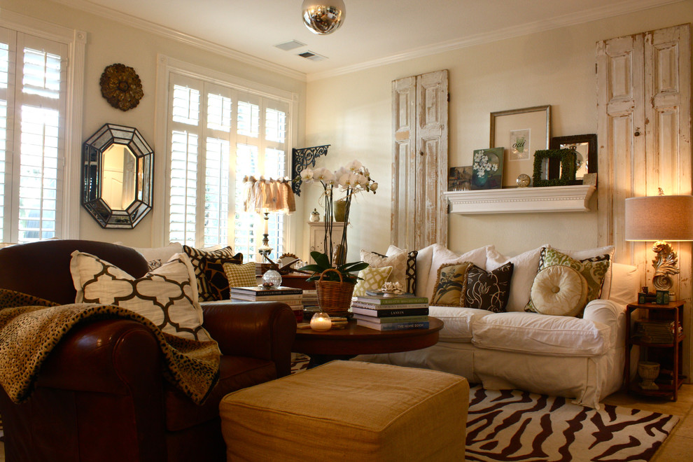 Perfect Living Room With Cheetah Print Rugs And Nice Accessories Design Part 25
